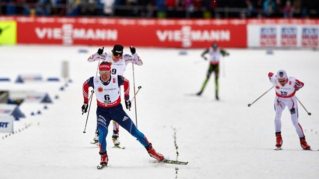 Максим Вылегжанин на финише скиатлона Фалун 2015